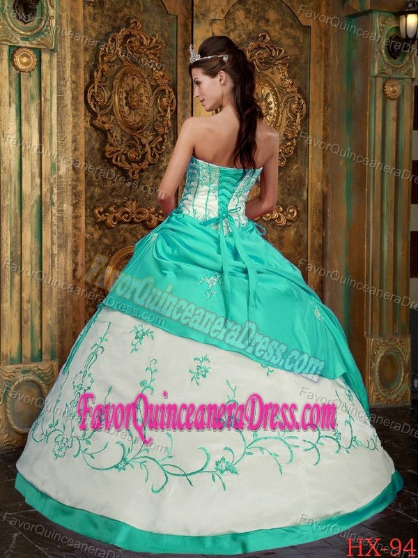Beautiful Embroidered Satin Sweet Sixteen Dresses in Apple Green and White