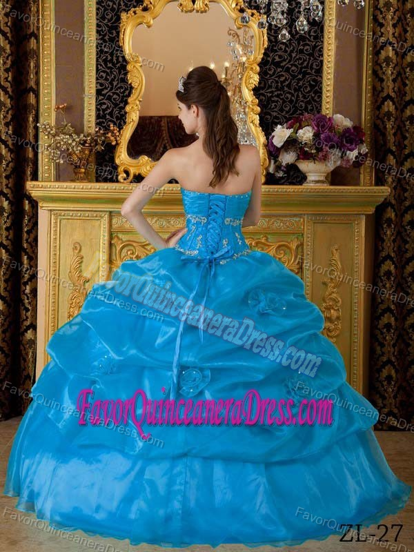 2012 Organza Sweet Sixteen Quinceanera Dresses with Appliques and Pickups
