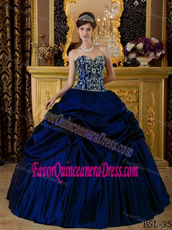 Taffeta Embroidery Sweetheart Royal Blue Quinceaneras Dress with Beading