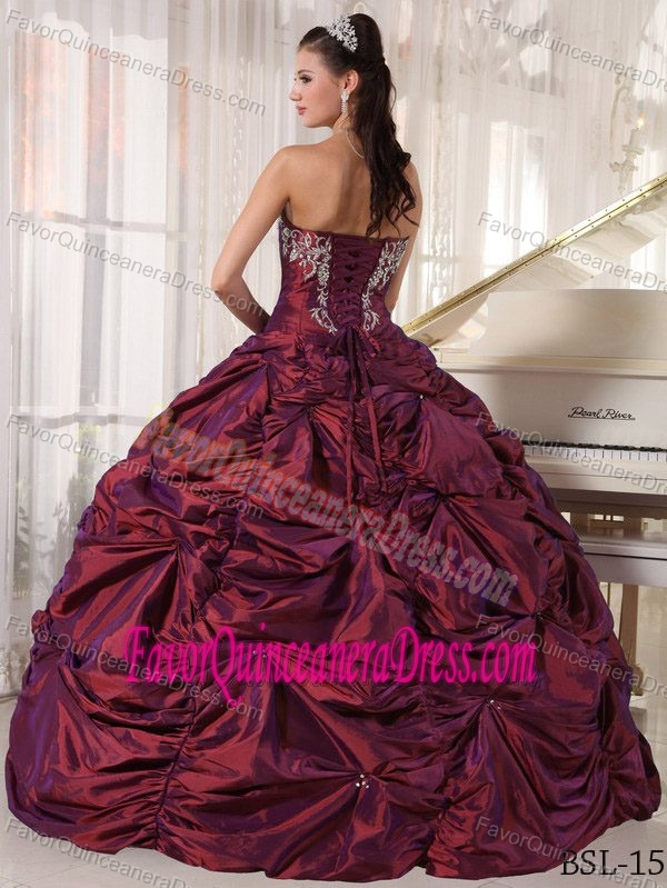 Latest Strapless Bead Pick Ups Burgundy Quinceanera Dress with Embroidery