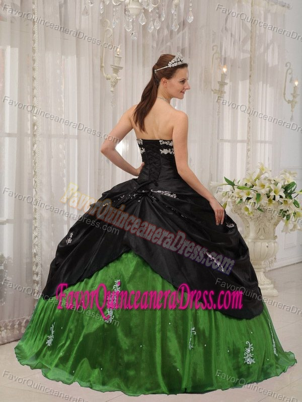 Taffeta and Organza Black and Green 2012 Quinces Dresses with Appliques