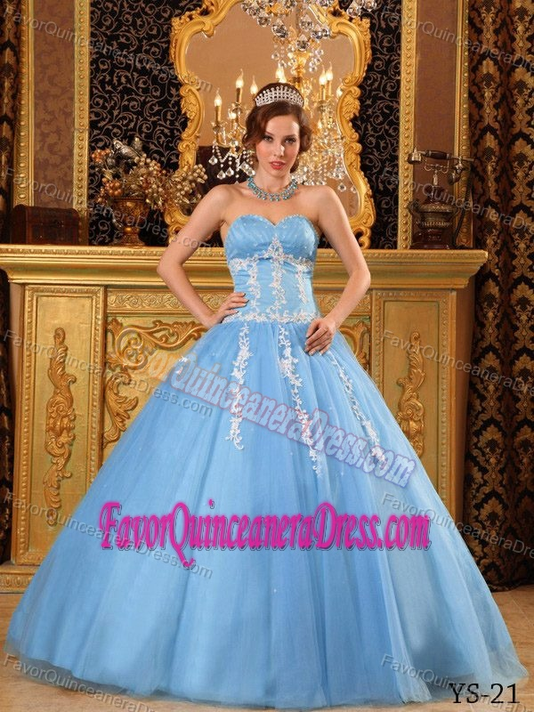 Popular Sweetheart Floor-length Quinceanera Dress in Tulle with Appliques