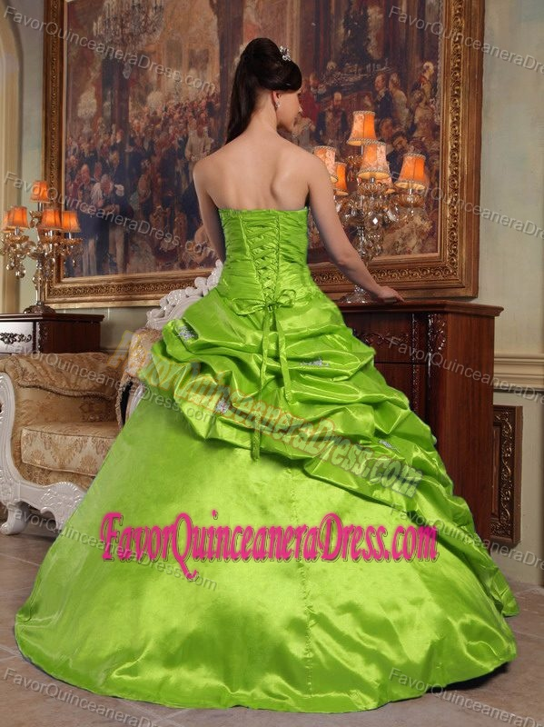 Elegant 2014 Taffeta Spring Green Beaded Sweetheart Quinceanera Dresses