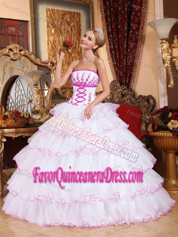 Lovely Strapless White Organza Quinceanera Dresses with Layers and Embroideries