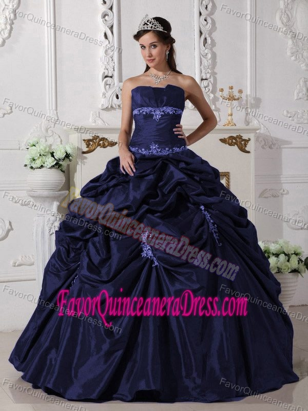 Strapless Floor-length Taffeta Appliques Quinceanera Dress in Navy Blue