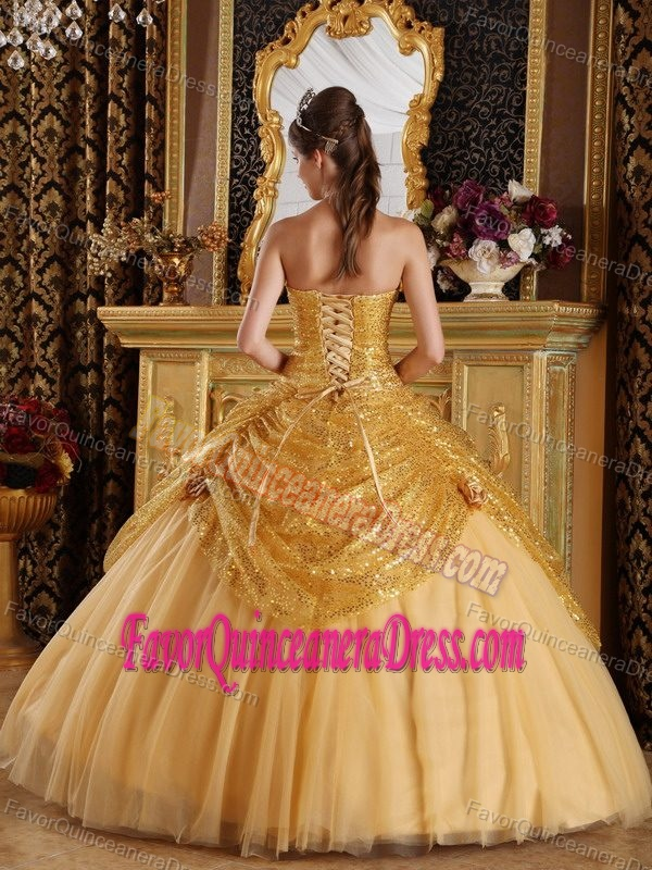Sequined and Tulle Gold Sweetheart Quinceanera Dresses with Handle Flowers