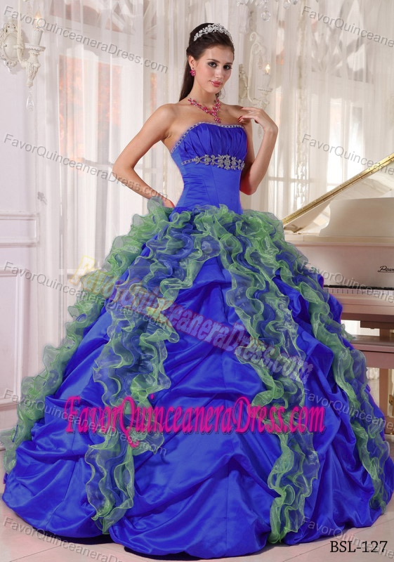 Stylish Blue Ruffled Strapless Quince Dresses in Organza and Taffeta