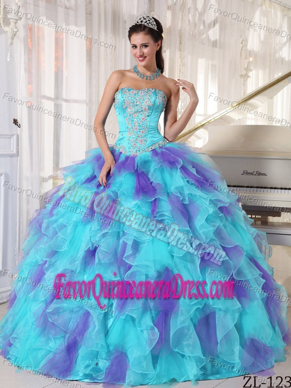 Luxurious Ball Gown Strapless Organza Quinceaneras Dress with Appliques
