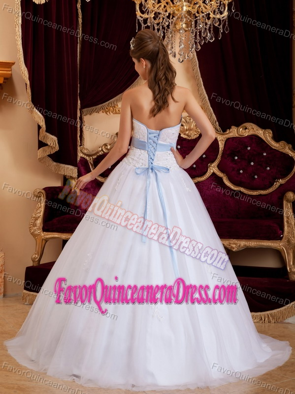 Clearance Sweetheart White Tulle Satin Quinceanera Dresses with Appliques
