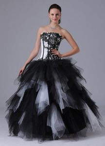 Vintage Embroidered Strapless White and Black Tulle Ruffled Quinceanera Dresses
