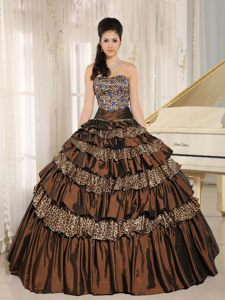 Sweet Brown Beaded Leopard Taffeta Quinceanera Dresses with Ruffled Layers