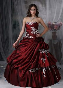 Ostentatious Appliques Strapless Taffeta Burgundy Bubble Sweet 15 Dresses