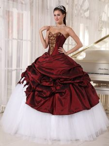 Sweetheart Appliques Flowers Burgundy and White Modernistic Quinces Dress