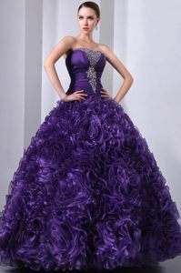 Popular Purple Strapless Beaded Quinceanera Dresses with Rolling Flowers