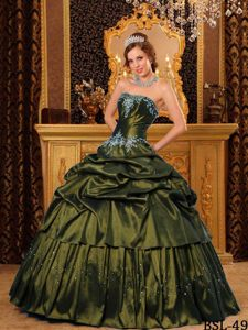 Cheap Olive Green Quinceanera Dresses with Strapless Appliques Taffeta