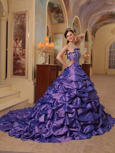 Taffeta Purple Ball Gown Strapless 2013 Dress for Quinceanera with Pick-ups