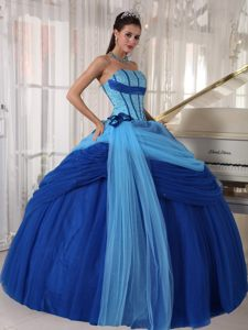 Simple Blue Ruching Strapless Quinceanera Gown Dresses in Tulle