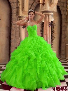 Ruffled Sweetheart Spring Green Organza Dresses for Quince with Ruffles