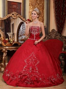 Satin Strapless Embroidery Wine Red Snazzy Lace-up Sweet Sixteen Dresses