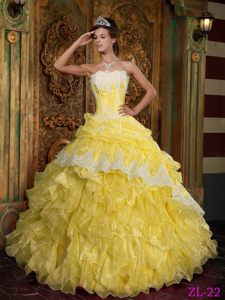 Best Seller Appliqued Ruffled Yellow Sweet 15 Dress in Organza in Style