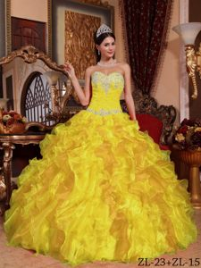 Cheap Sweetheart Ruffled Beaded Yellow Quinceanera Dresses in Organza